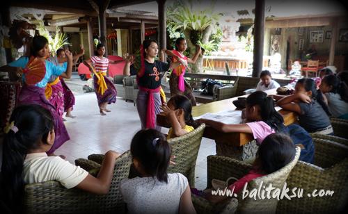 Tari Telek Balinese Mask Dance