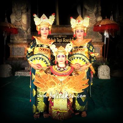 Legong Dewi Sri, Performance at Bebek Tepi Sawah, Legong Lasem