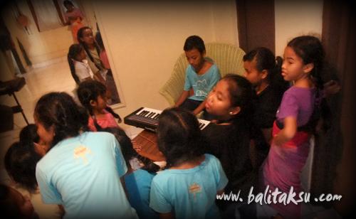 """alt=""""Lagu Ratu Anom – Piano Lesson @f studio"""""""