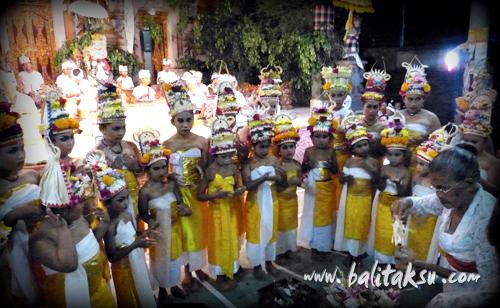 "alt=""Odalan at Pura Catur Bhuana::Br. Kalah Peliatan: June 2015"""