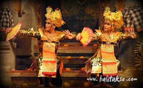 男性によるレゴン舞踊「レゴン・ナンディラ・インドラ・マヤ舞踊」初演舞台 2015年1月25日(日) グンタ・ブアナ・サリ楽団
