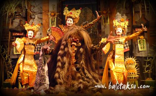 レゴン・ナンディラ・インドラ・マヤ舞踊のプカーッド(エンディング)部分