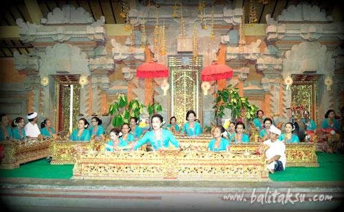 """alt=""""Odalan at Pura Dalem Puri Peliatan Temple: Nov 2016"""""""