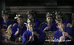 Dewi Sri Teges Peliatan - bts Bebek Tepi Sawah デウィ・スリ楽団