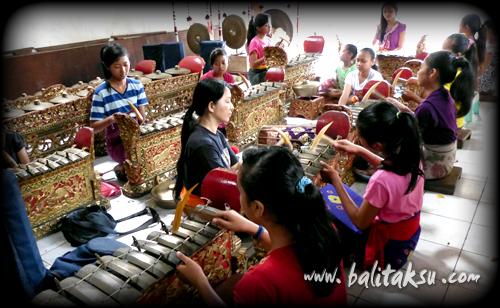 Grup Gamelan Anak-Anak Wanita Tunas Maragawi