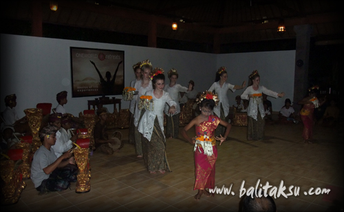 balinese gamelan and dance workshop at ubud