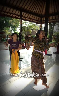 oleg tamulilingan lesson with mayumi
