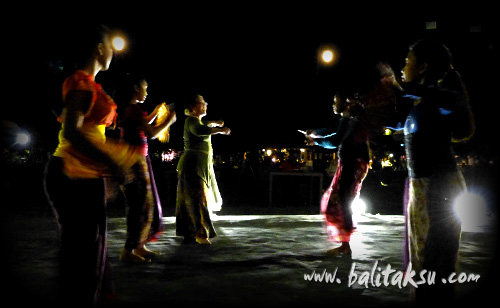 Recording Tari Legong Kupu-kupu Carum, Tarum Dance. Teges Ubud Bali