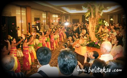 Grand Hyatt Children Balinese Dance