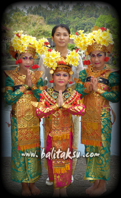 Legong Dance at Tirta Gangga Wedding