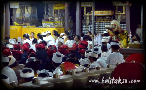 "alt=""Odalan Pura Agung Peliatan : Apr 2014"""