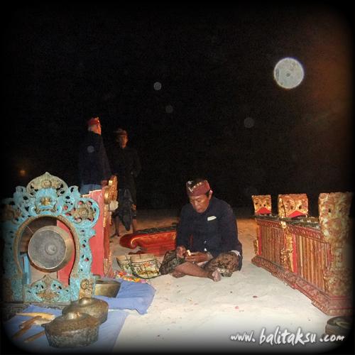 Full Moon Performance Bali, Ubud Group at Nusa Dua