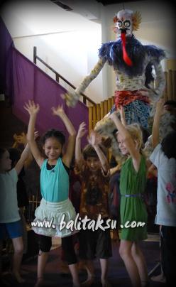 "alt=""Magical Graduation Performance – The Spring Children Ubud"""