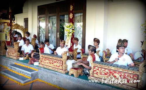 Seka Gong Dewi Sri at Andong