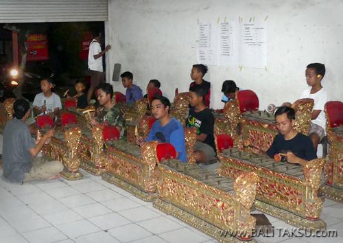 Grup Gamelan Pemuda Mulai Latihan Iringan Tari Legong Lasem