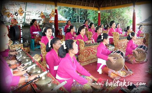 our balinese gamelan group
