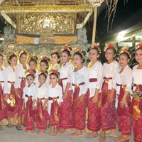Pura Desa lan Puseh Peliatan Odalan, Tunas Maragawi Sri Padma Ngayah, プリアタンの寺院で奉納演奏