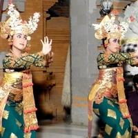 Gunung Sari, Legong Lasem Peliatan. Sri Padma. グヌン・サリ楽団のレゴン・ラッサム舞踊(サンガル・スリ・パドマ)